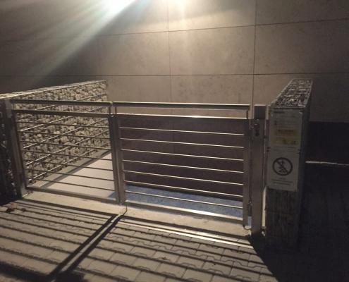 Scissor lift table in Jagiellonian University