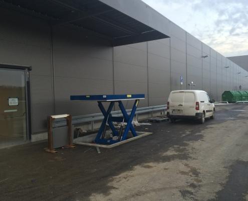 Hydraulic scissor lift Shopping Center Glogovia