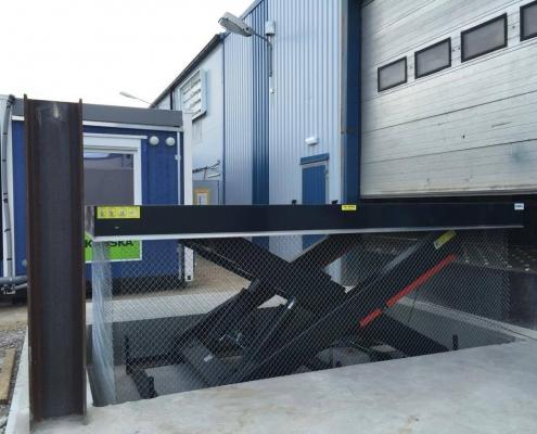 Large size scissor lift table UPS